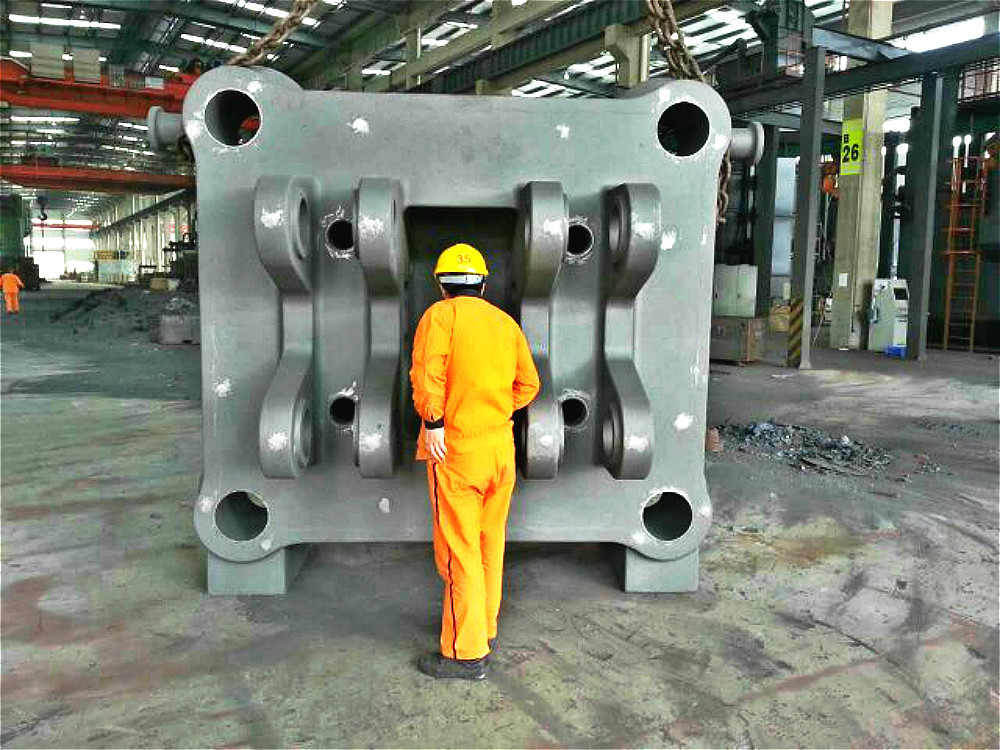Injection molding machine / plastic molding machine casting iron parts series products